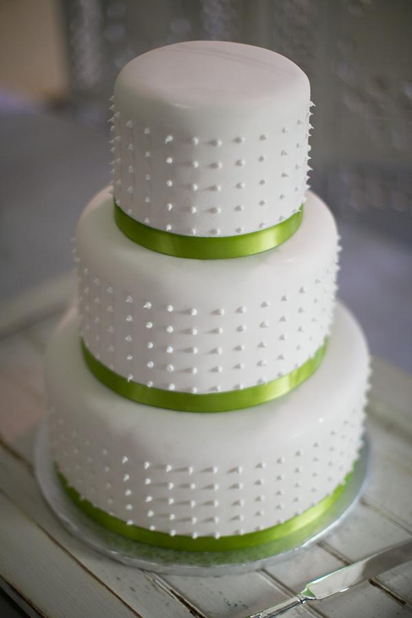 three tier wedding cake the birdcage
