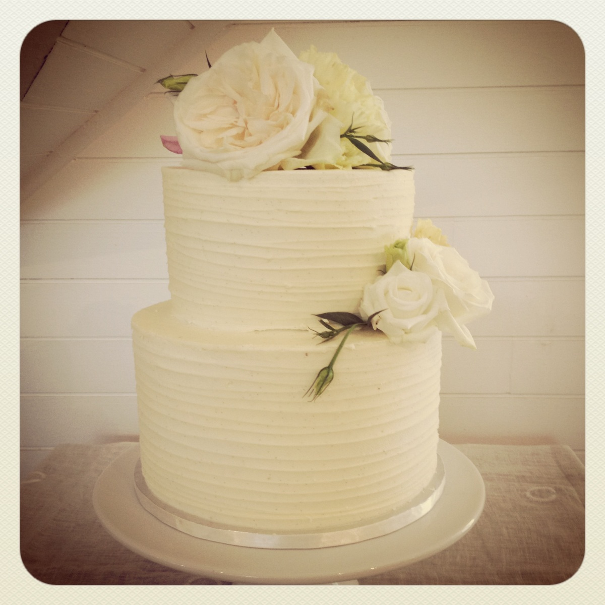 Average Cost Of Wedding Flowers 2014: Two Tier Vanilla & Dark Chocolate Marble Cake