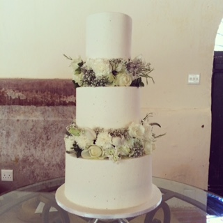 3 tier wedding cakes with fresh flowers three tier wedding cake with fresh flower tiers 10329